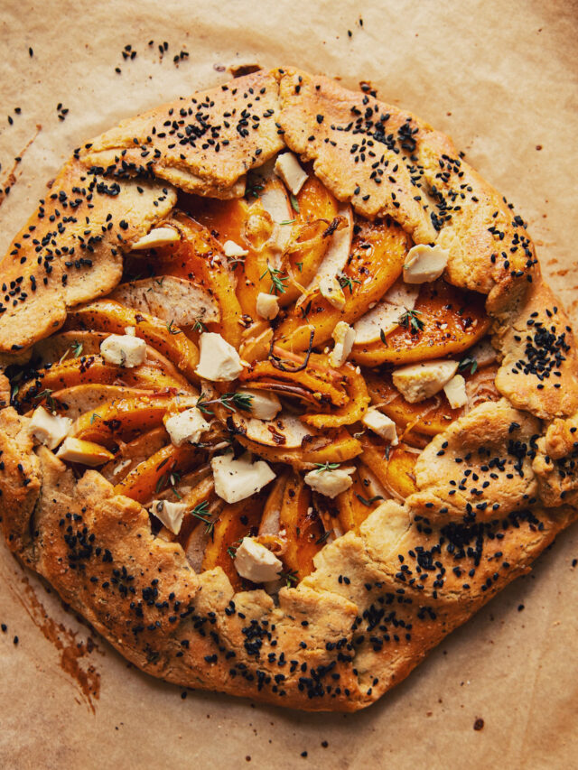 How to make: Vegan Butternut Galette with Shallots & Apples