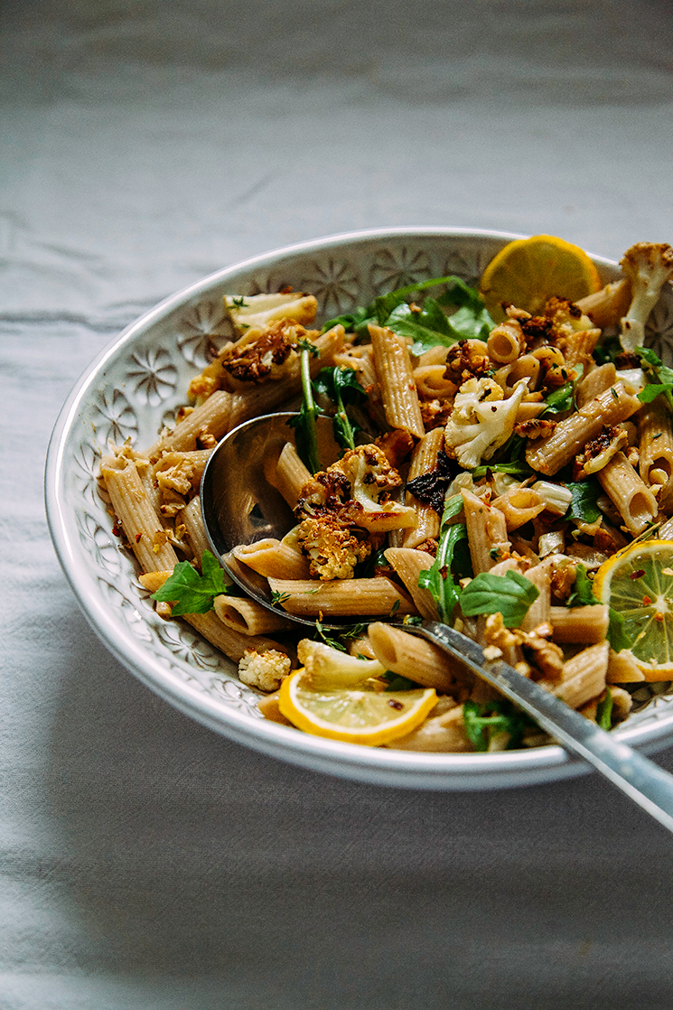 roasted garlic + cauliflower pasta w/ walnuts (vegan + gluten-free) // via @thefirstmess