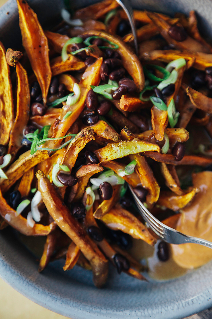 curry garlic sweet potato fries with miso gravy // via @thefirstmess