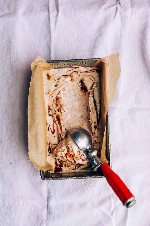 raw + vegan chunky monkey ice cream // via thefirstmess.com