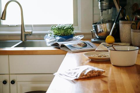 amazing tahini dressing + a healthy bowl // www.thefirstmess.com