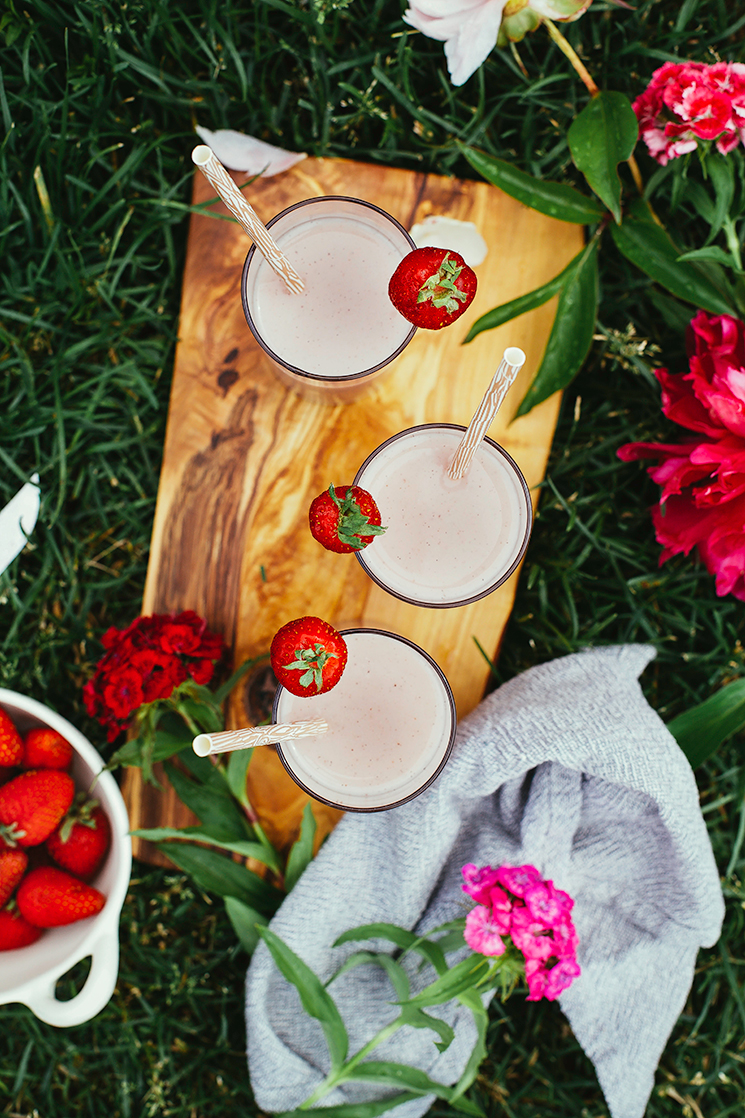 vegan strawberry milk // thefirstmess.com